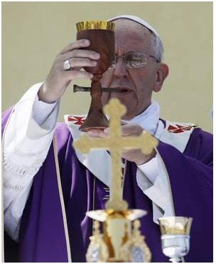 pope_purple_woman